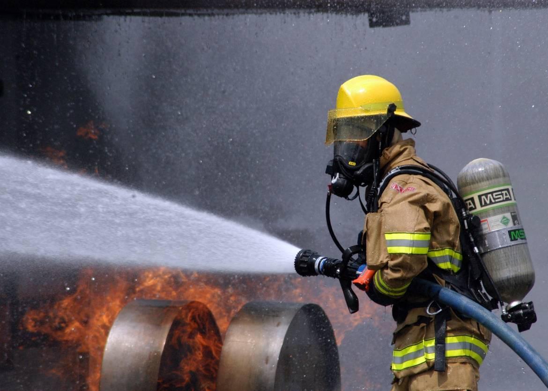 firefighter-593716_1920.jpg
